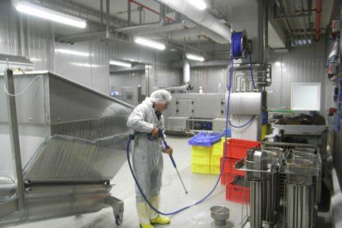 Уборка торговых центров и других производственных помещений